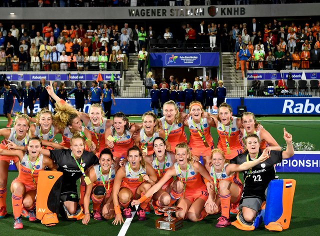 Netherlands Women's Hockey team with trophy at the Euro's in 2017 (PA Images)