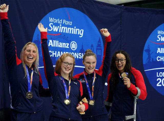 Steph Millward, Brock Whiston, Toni Shaw and Alice Tai show off their 4x100m gold medal  (PA Images)