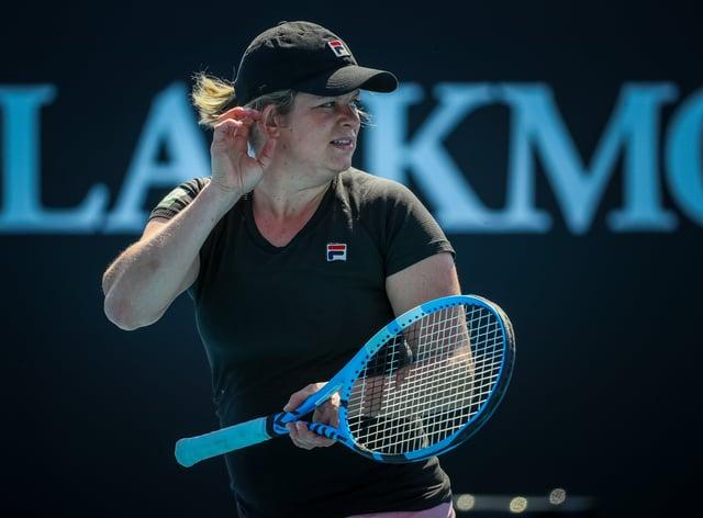 Four Time Grand Slam Winner Kim Clijsters Delays Wta Return