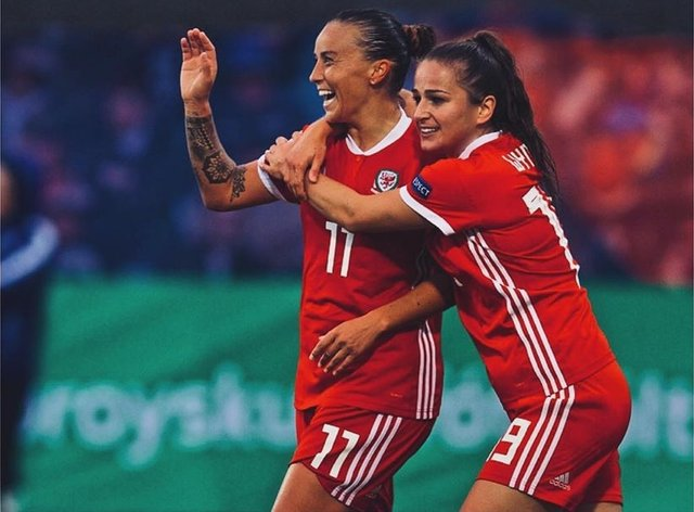 Megan Wynne (right) excels again for Wales (Instagram: Megan Wynne)