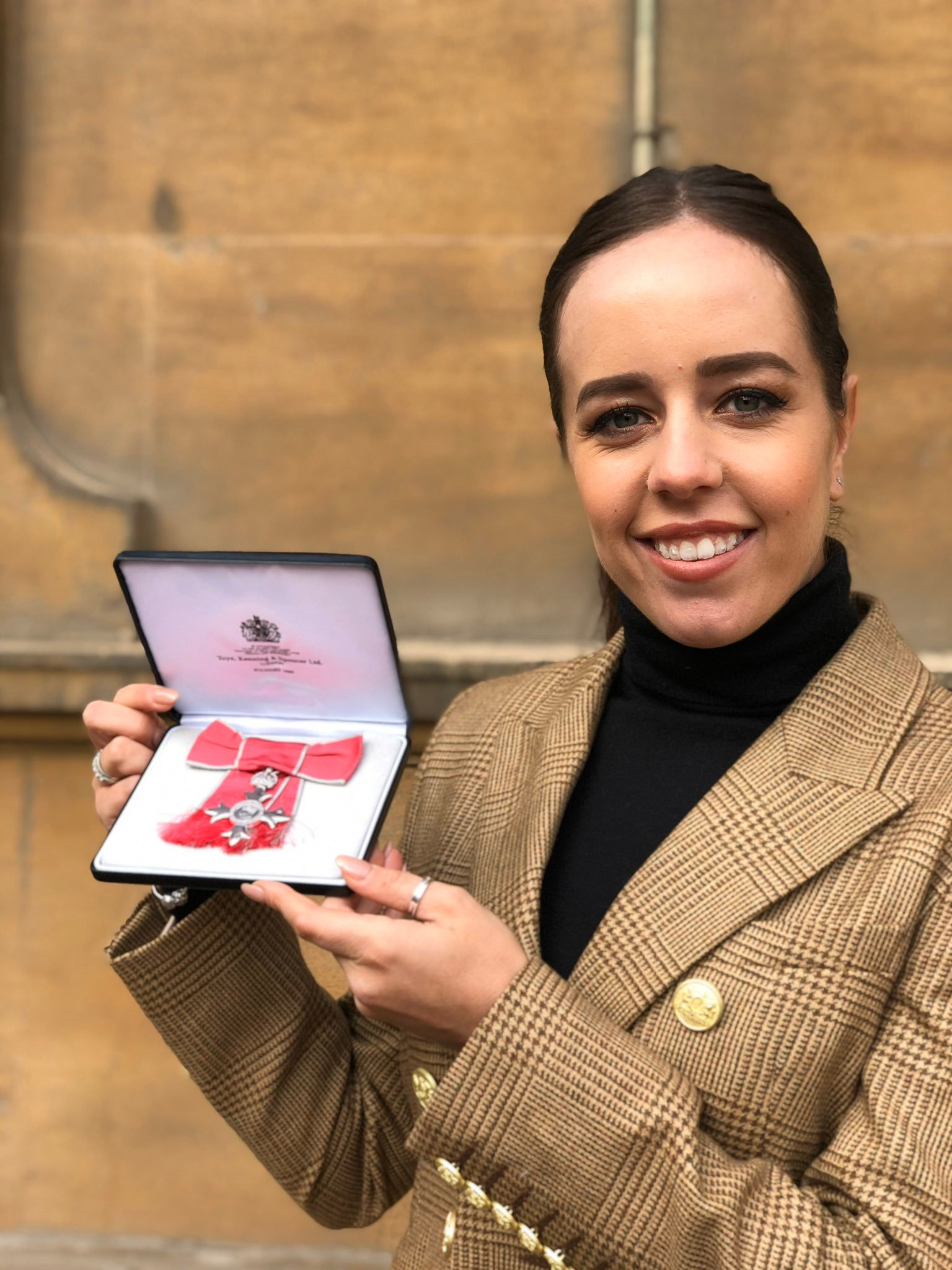 Golfer Georgia Hall attends Buckingham Palace to receive MBE and is asked by Prince Charles for golf lessons