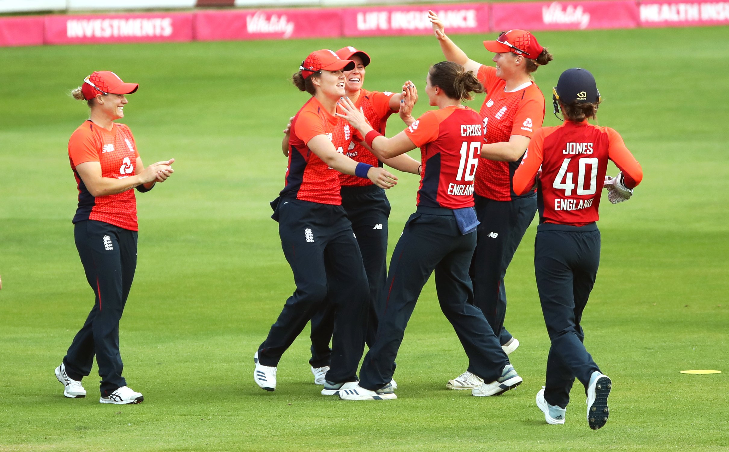 Georgia Elwiss recalled to England cricket squad replacing Kirstie Gordon for T20 World Cup as England bid for revenge against bitter rivals and defending champions Australia
