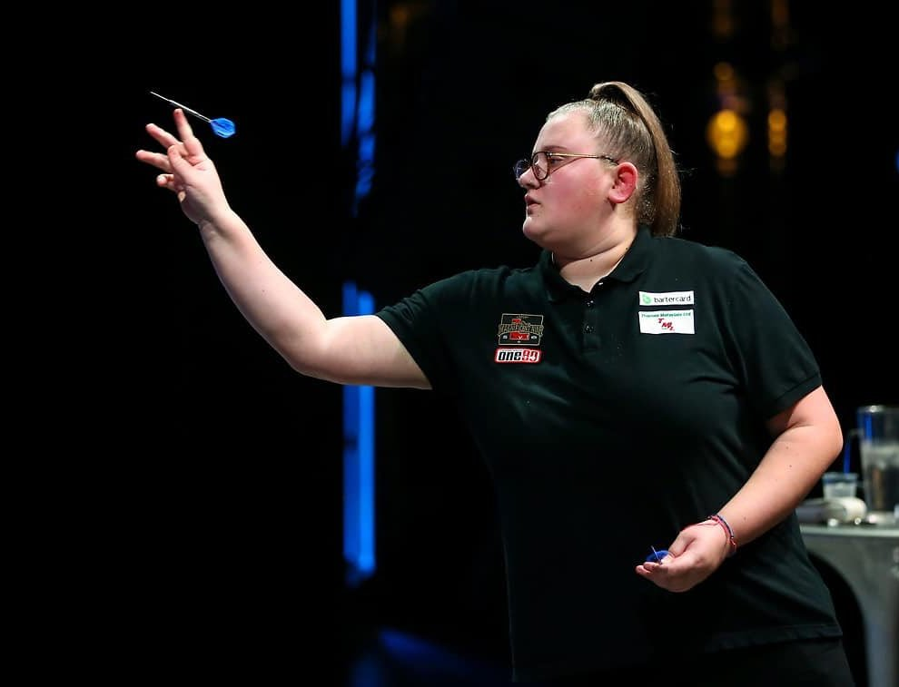 Beau Greaves is one of the hottest prospects in world darts (Twitter: BDO Darts)