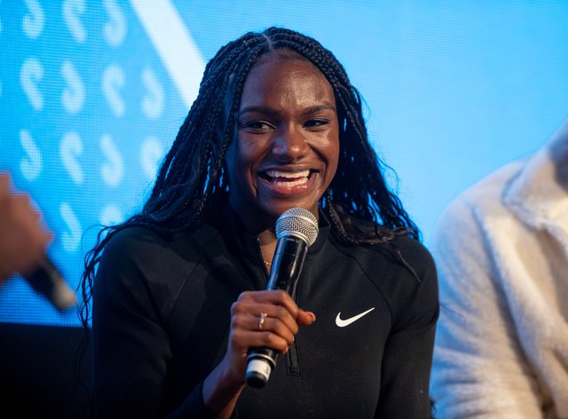 Dina Asher-Smith spoke in front of a large number of Youth Winter Olympic athletes (twitter: OIS_Olympic) @