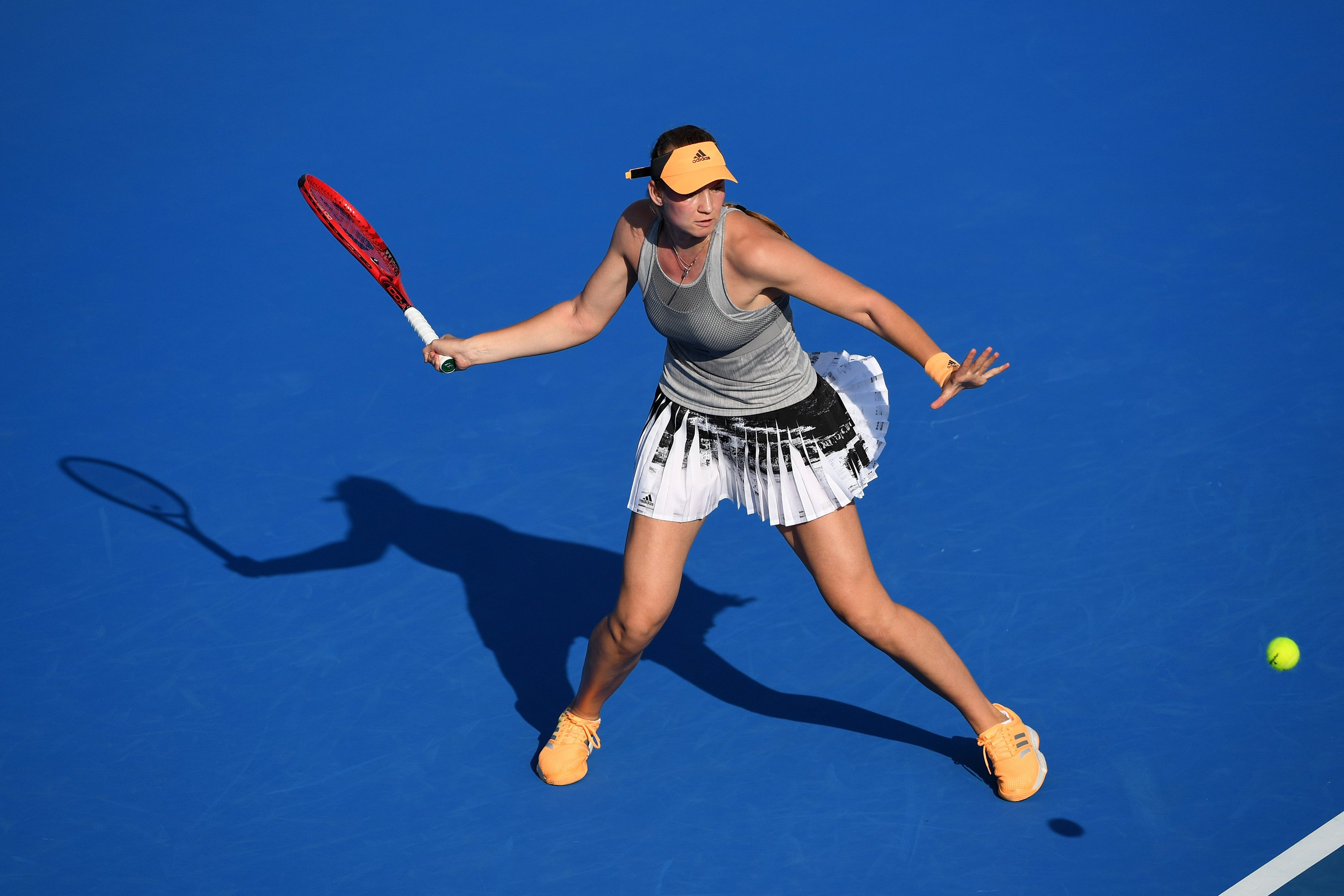 Elena Rybakina claims second title of her career and hits form ahead of Australian Open, beating Zhang Shuai in straight-sets in Hobart International final