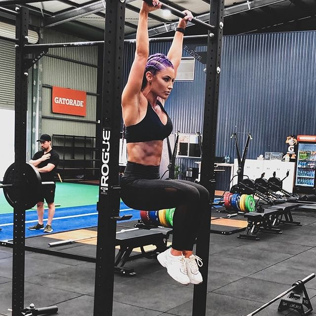 """American fitness model and former WWE star Eva Marie slams Qantas airline for """"gender discrimination"""" after being barred from business lounge for wearing active wear"""