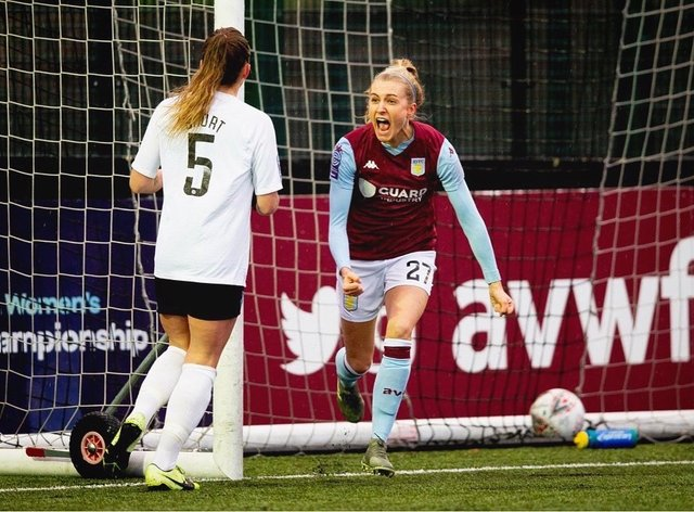 Follis is aiming for promotion and a perfect record this season (Twitter: Emma Follis)