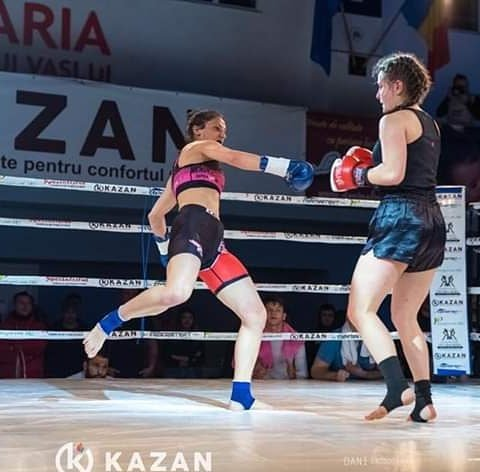 Ana Maria (left) in her more customary fighting arena (Instagram: @annamariapal93)