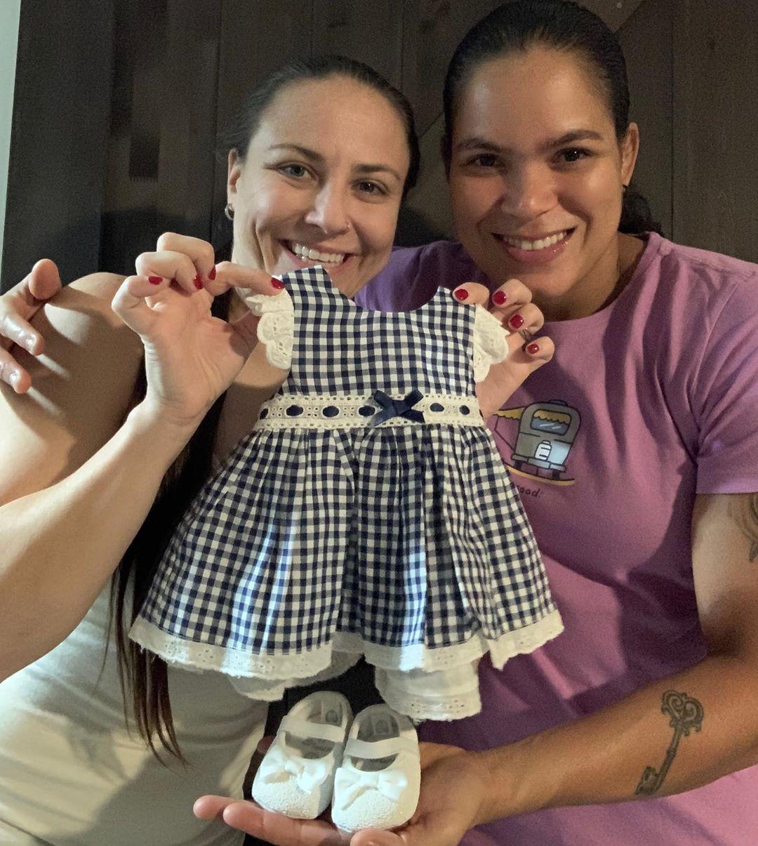 Nunes expecting a baby!