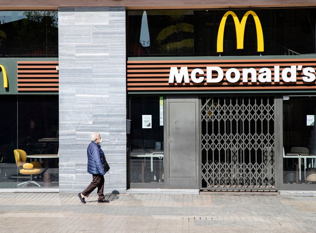 McDonald's will shut the doors of its 1,270 UK restaurants from this evening (PA Images)