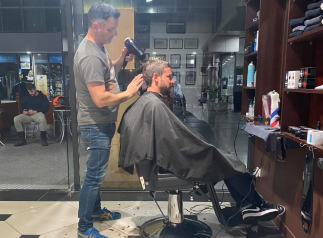 Cathedral Junction Barbers were inundated with customers at midnight (Facebook: Cathedral Junction Barbers )