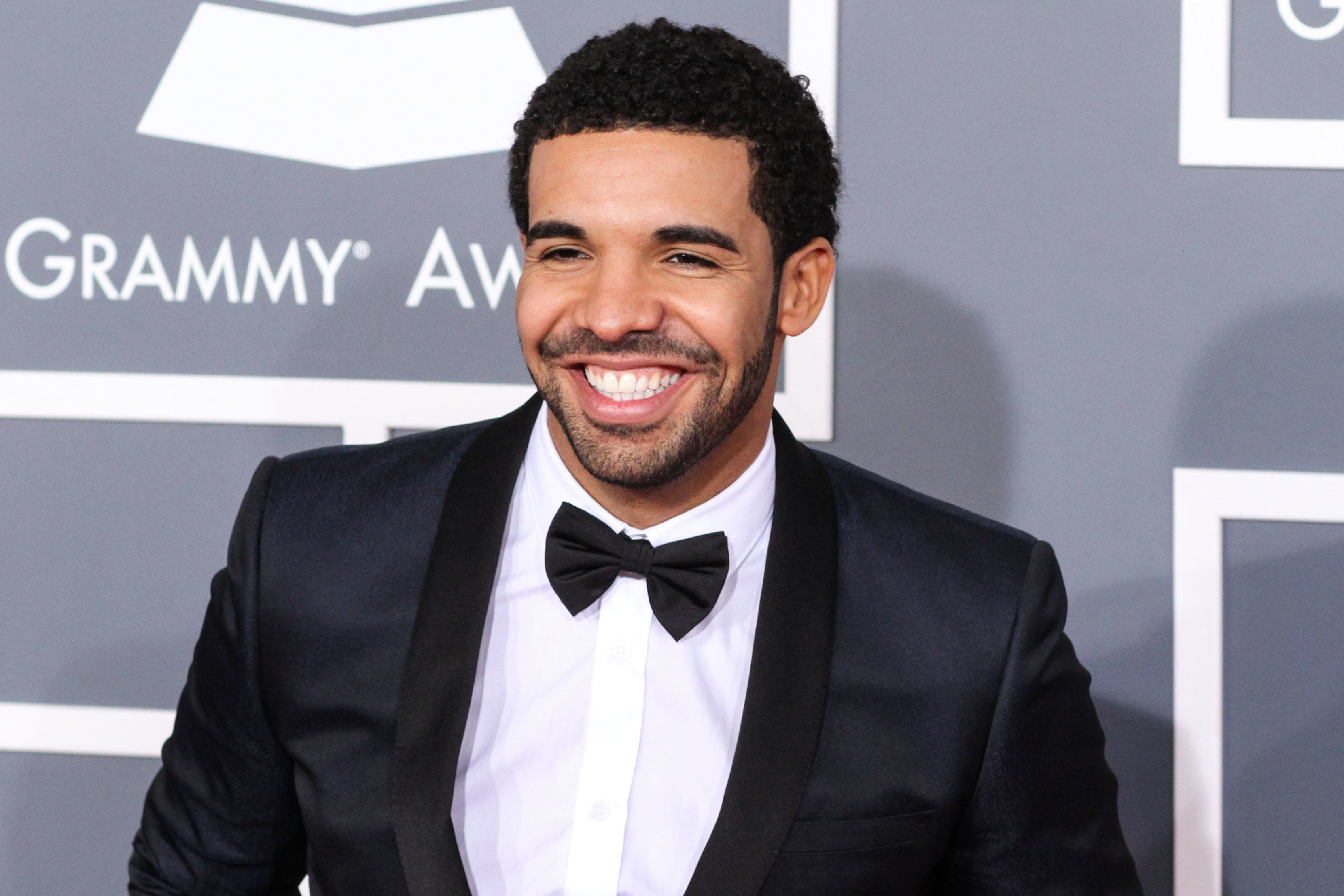 Drake apologises after calling Kylie Jenner a 'side piece' in leaked song