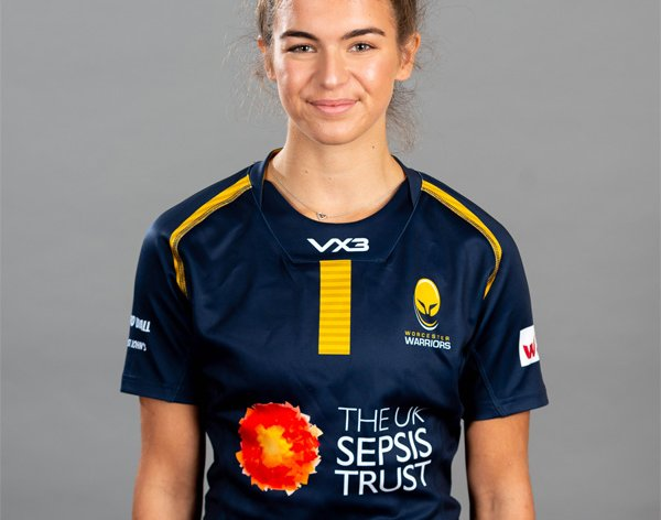 Cara Clarke has re-signed for Warriors