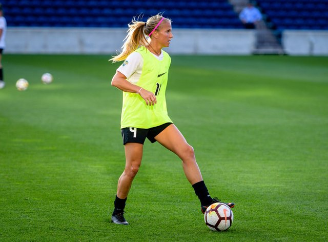 Mautz won't take part in the NWSL Challenge Cup due to injury