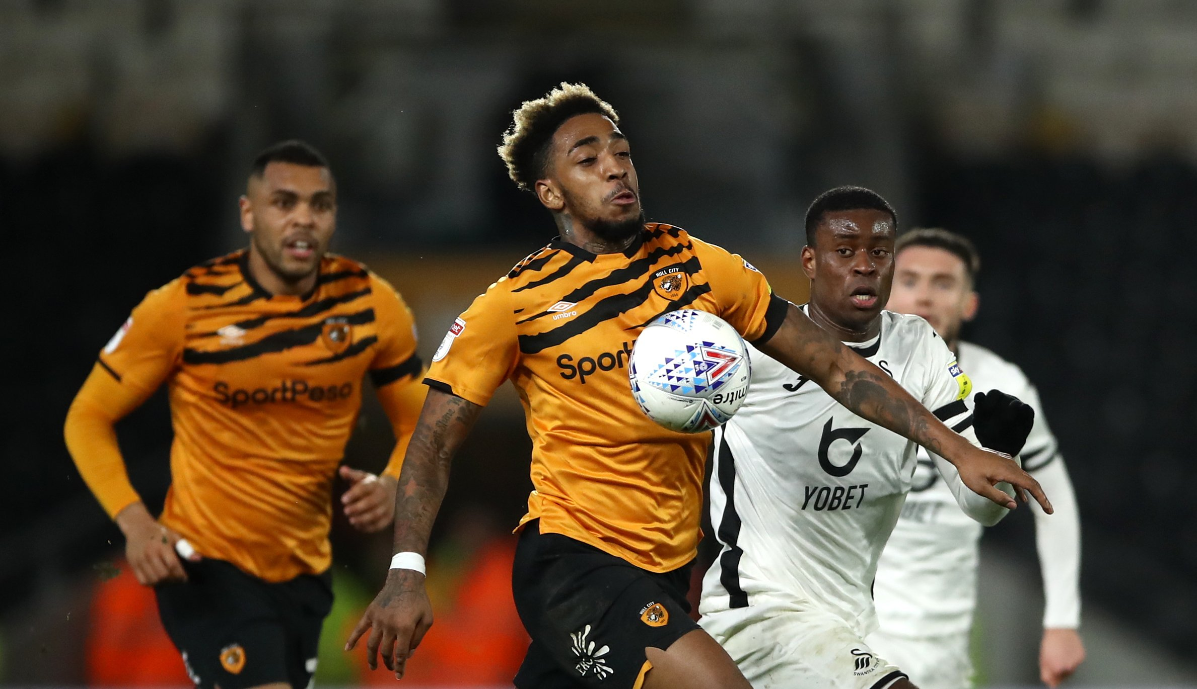 Hull hope to sign Mallik Wilks permanently before Boro clash