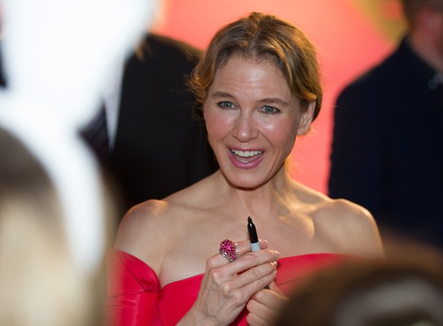Renee Zellweger, star of the Bridget Jones movies, poised to sign another autograph