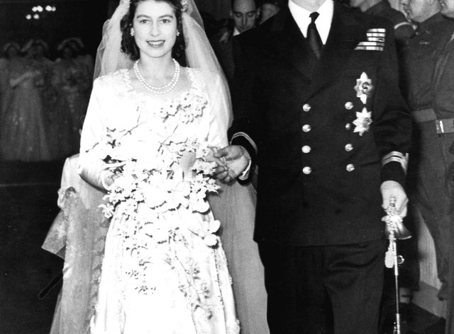 Princess Beatrice Weds In Dress And Tiara Borrowed From The Queen