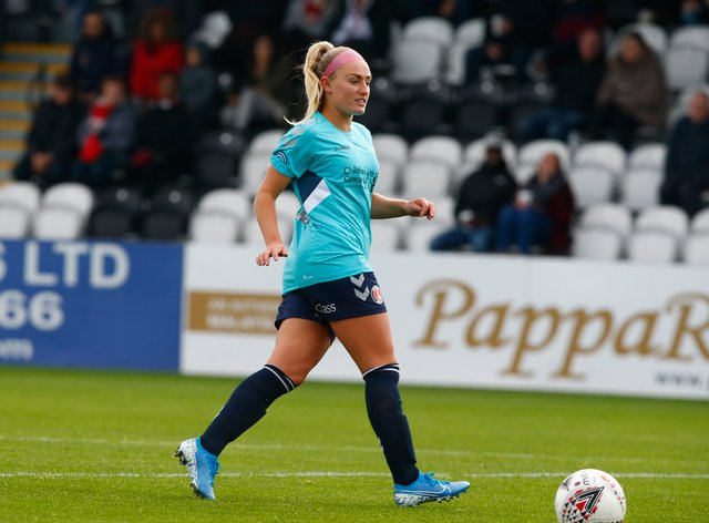 Rachel Newborough re-signs for Charlton Athletic