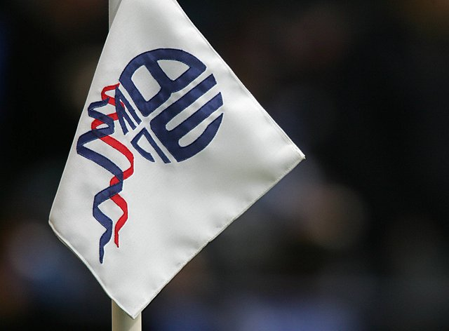 Bolton have made defender Liam Gordon their sixth summer signing
