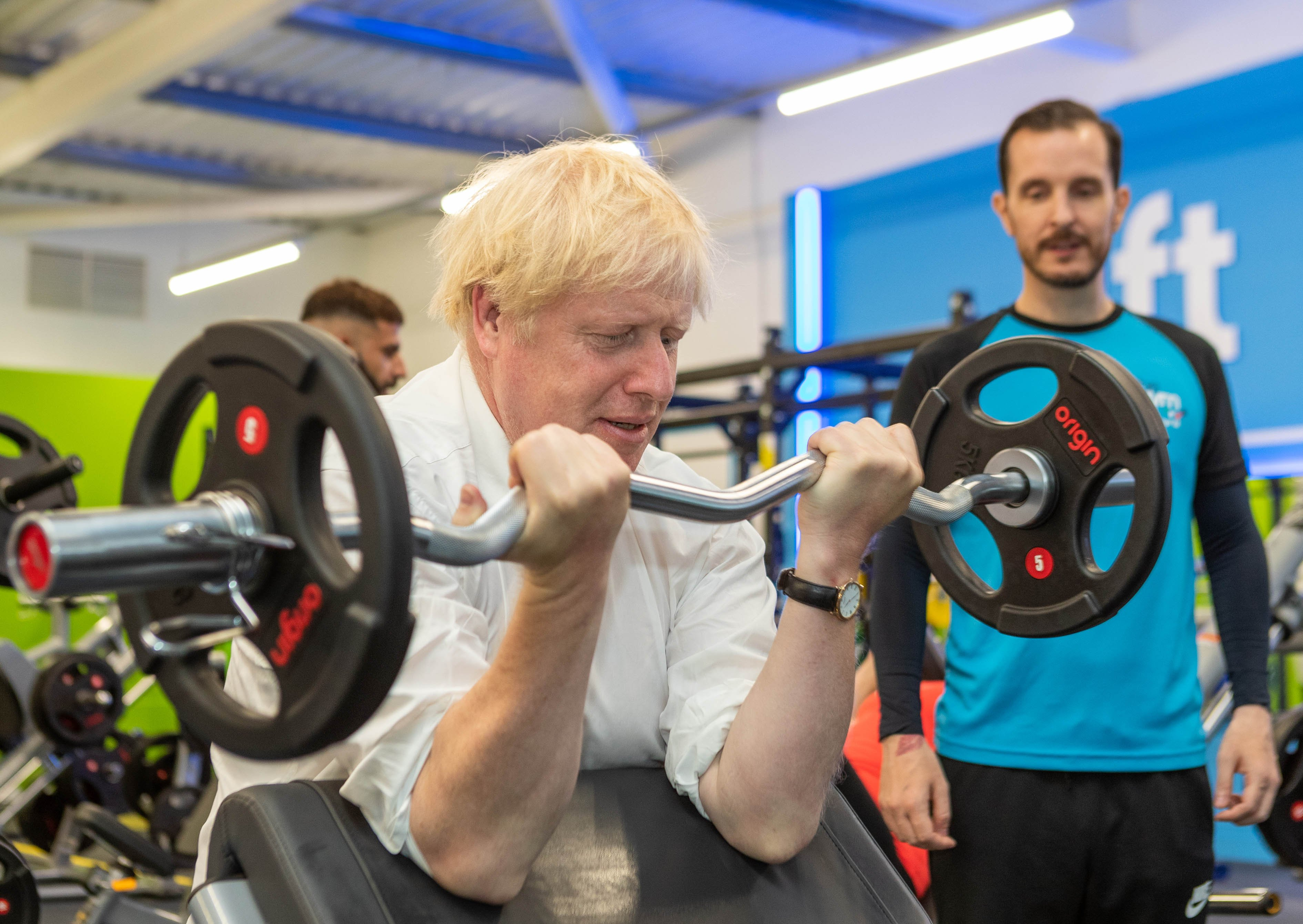 Prime Minister pumps iron during gym visit