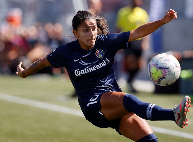 Debinha will remain at Courage until at least 2022