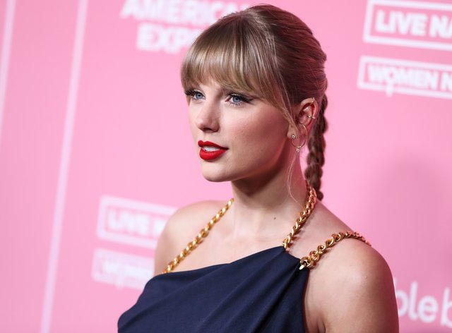 Swift donated £23,000 to a student to help her study at university