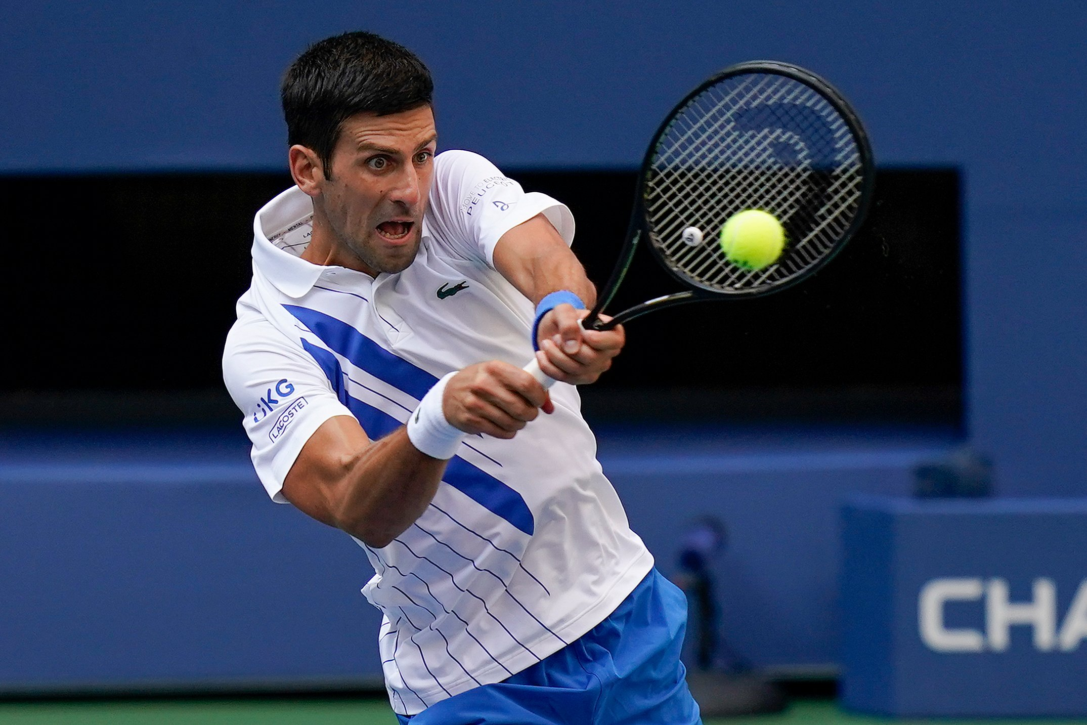 Novak Djokovic Sensationally Disqualified From Us Open After Hitting Line Judge With Ball Newschain