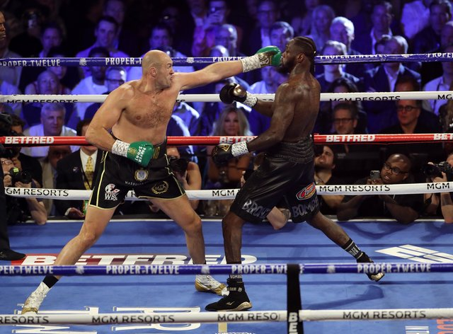 Fury and Wilder could be forced to wait until next year for their trilogy bout