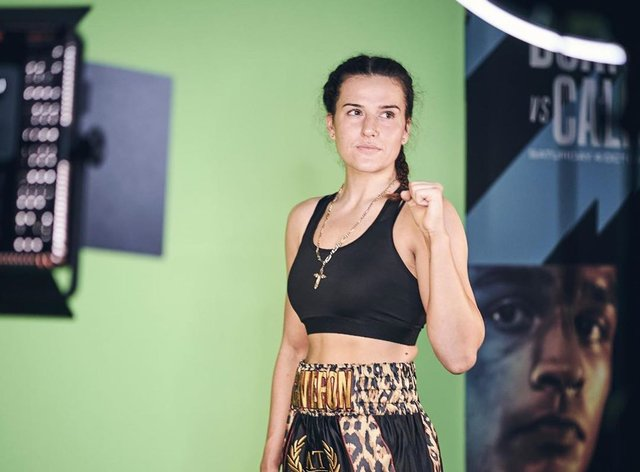 Cameron will box in her first world title fight on Sunday