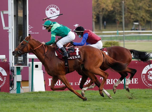 Sottsass holds off In Swoop to win the Arc