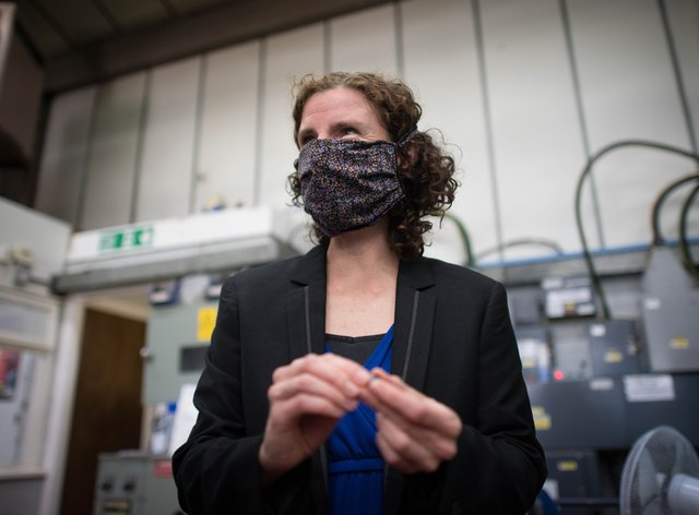 Anneliese Dodds visits Essex Injection Moulding in Southend-on-Sea