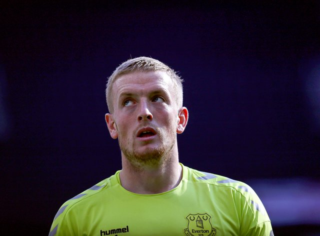 Everton goalkeeper Jordan Pickford has received backing from Toffees' great Neville Southall