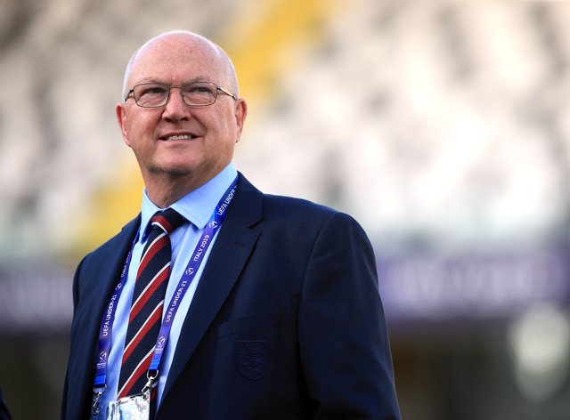 Les Reed is to leave his role as FA technical director