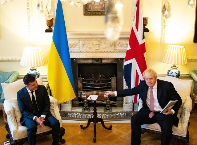 Prime Minister Boris Johnson (right) during a meeting with President of Ukraine, Volodymyr Zelenskyy (Aaron Chown/PA)