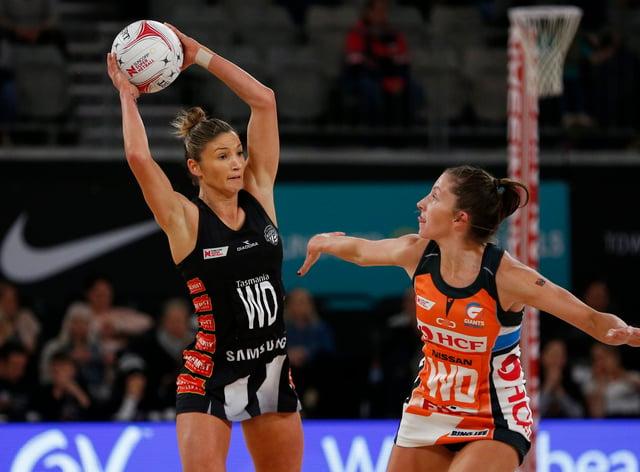 Kim Ravaillion (left) has signed for Queensland Firebirds