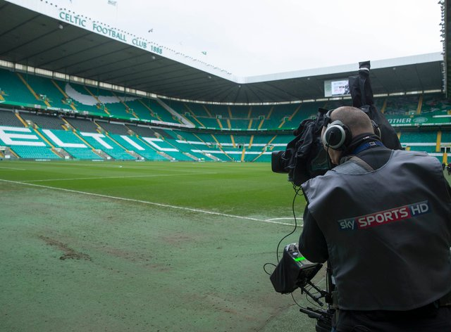 Steven Gerrard believes this weekend's Old Firm game should be screed free of charge