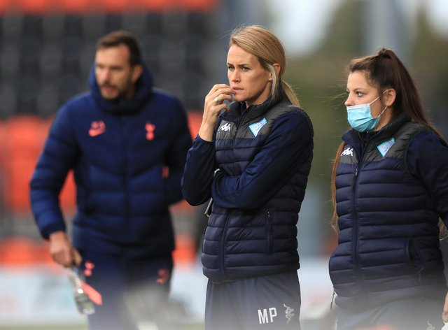 Melissa Phillips (centre) appointed London City Lionesses head coach