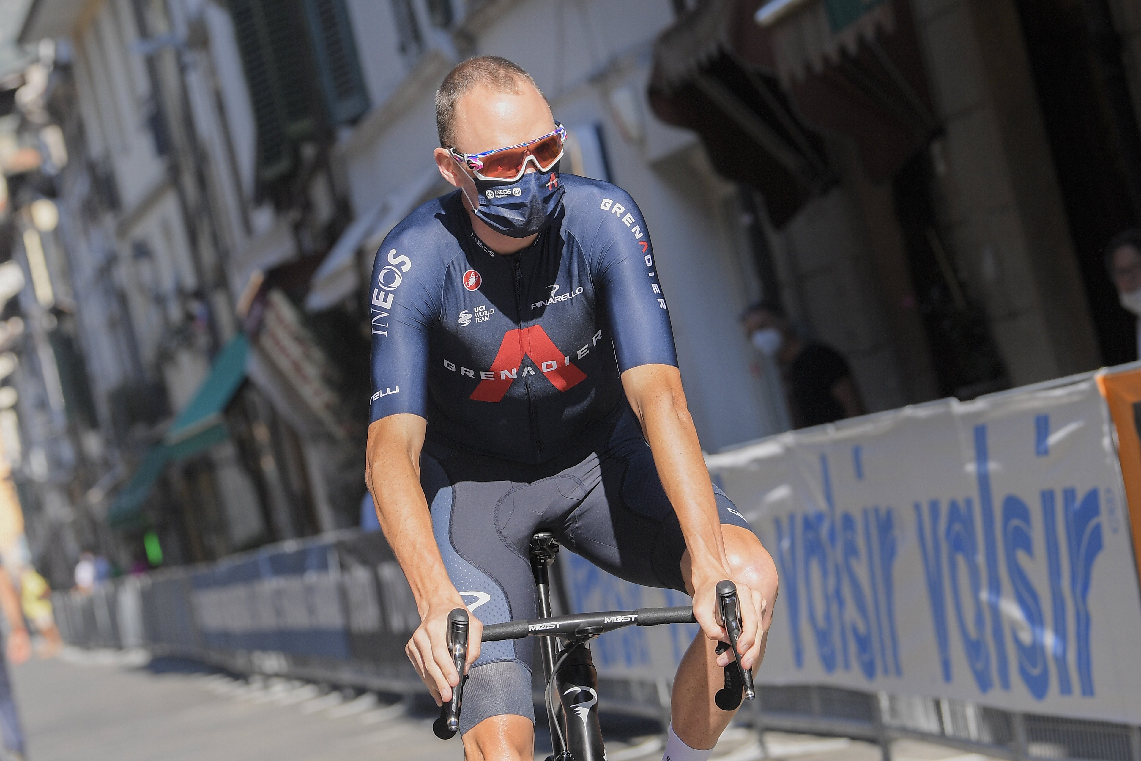 Chris Froome already out of overall contention as Primoz Roglic wins mountainous opening stage of Vuelta