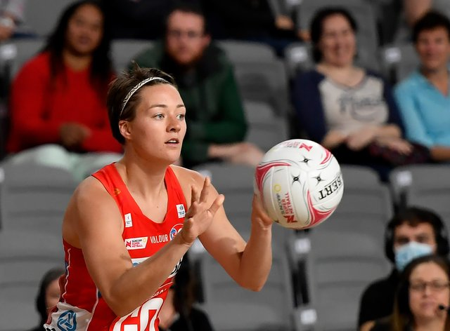Lauren Moore to remain at Swifts
