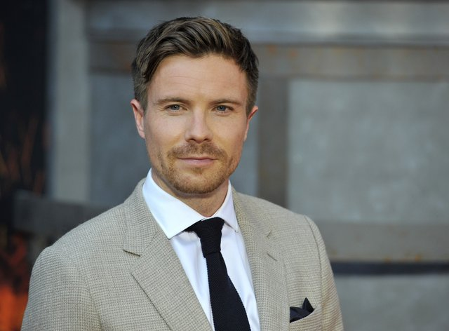 Dempsie has said his age difference with Williams made him feel uncomfortable