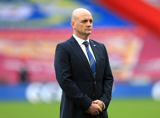 Leeds Rhinos coach Richard Agar has called for strong leadership from the RFL