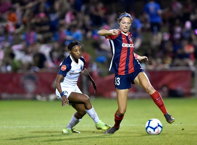 Ashley Hatch (right) has re-signed for Washington Spirit
