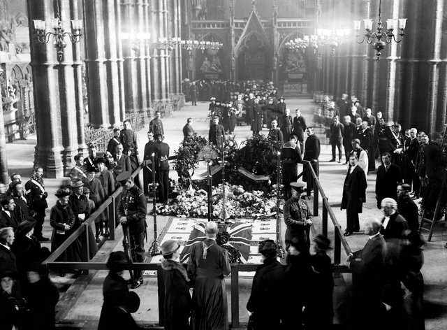 Burial of the Unknown Warrior – Westminster Abbey – 1920