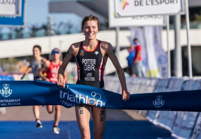Beth Potter seals her first World Cup win