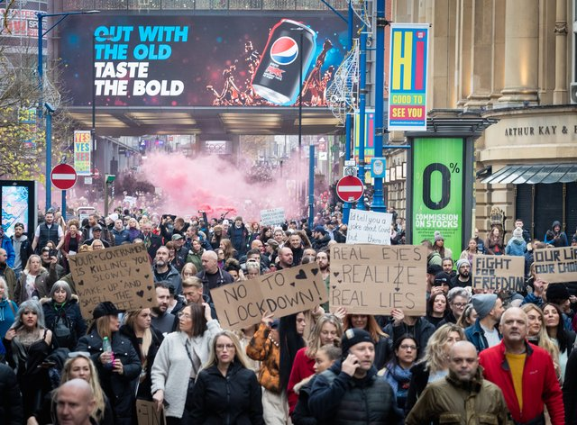<p>An anti-lockdown protest in Manchester on Sunday showed 1,000 people flouting lockdown rules designed to save lives</p>