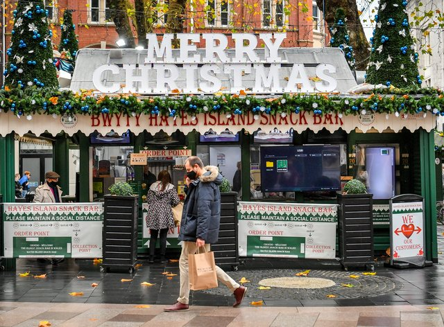 Shops in Cardiff reopen for Christmas
