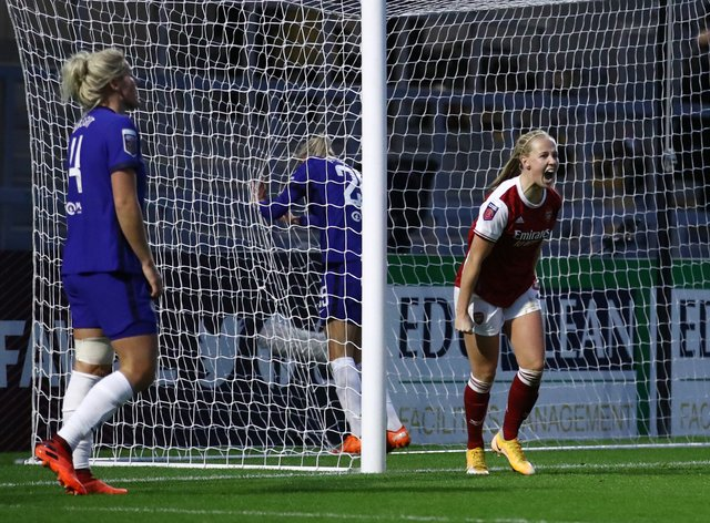 <p>Beth Mead, right, saw her opening goal for Arsenal cancelled out by Chelsea&nbsp;</p>
