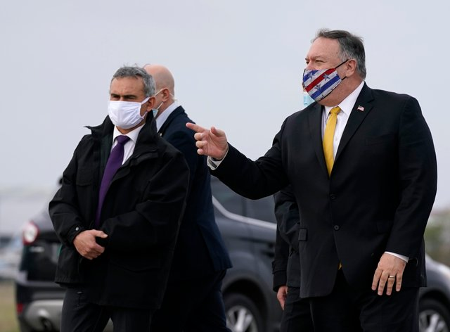 US secretary of state Mike Pompeo, right