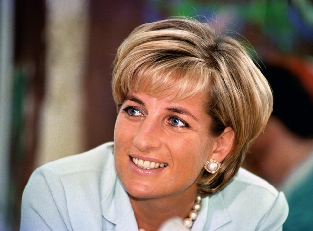 Diana, Princess of Wales statue