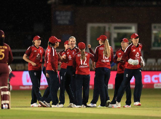 <p>England women have qualified as hosts for the 2022 Commonwealth Games</p>